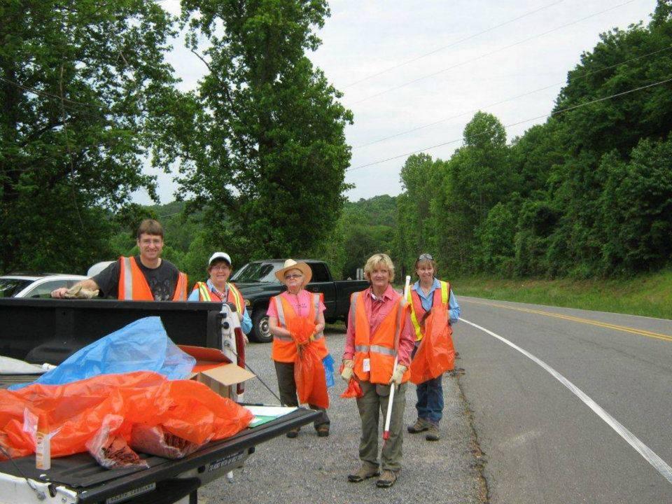 FSM Trash Crew. Photo by Johanna H. Stern.